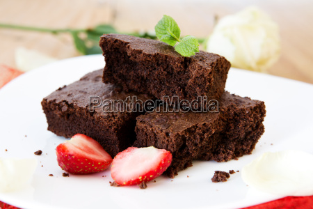 beautiful chocolate cake with fresh strawberries