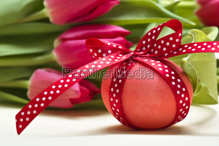 easter egg with red loop