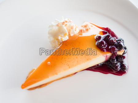 cheese cake with red fruits and