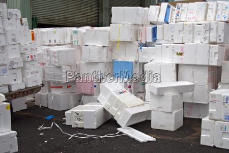 styrofoam packaging environmental waste