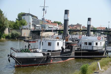 paddle steamer in regensburg