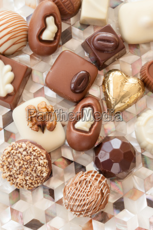 selection, of, different, chocolates - 16324135