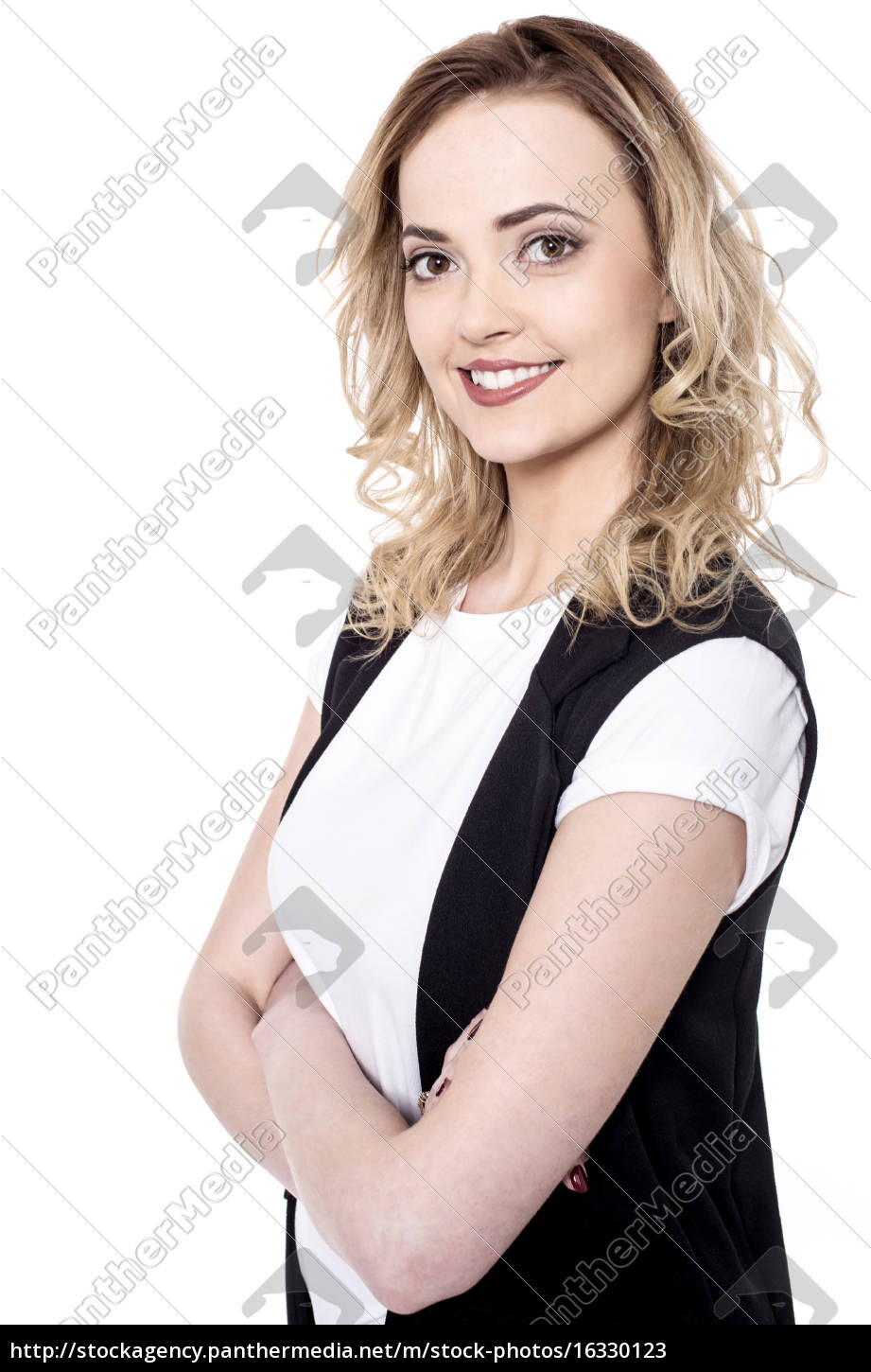 side, shot, of, young, woman, in - 16330123