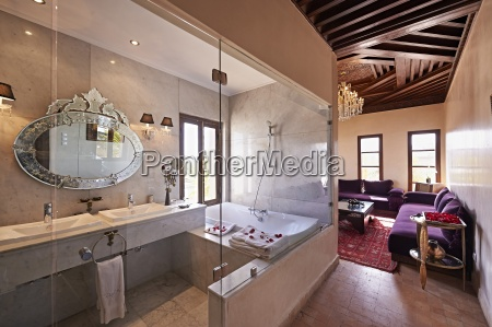 morocco fes bath in a suite