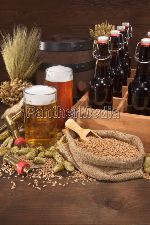 beers, with, beer, glasses - 16332201