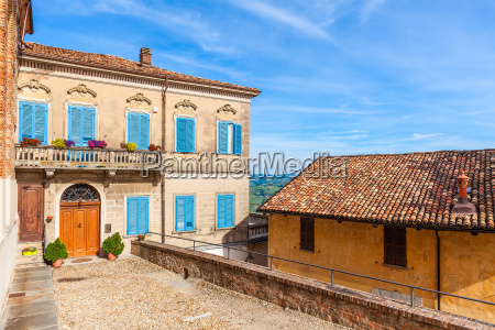 colorful, house, in, small, italian, town. - 16339453