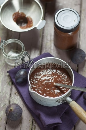 casserolle of plum fig jam