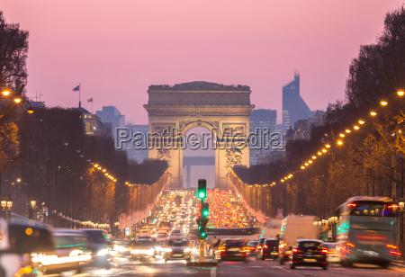 arc of triomphe champs elysees paris