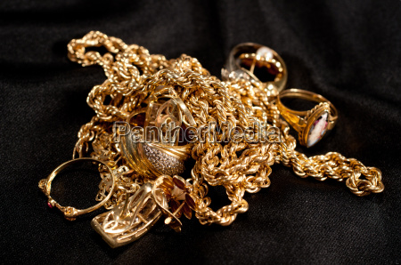 scrap gold jewellery including chains bracelets