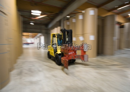 fork lift in paper mill stockage