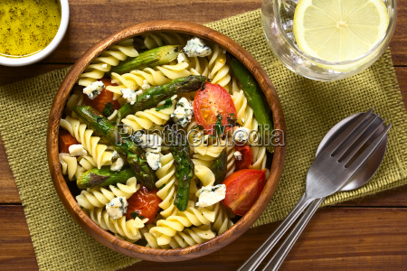 asparagus tomato blue cheese and pasta