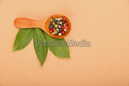 bay leaves and peppercorn scoop on