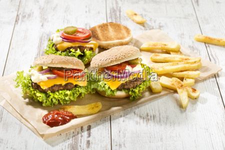homemade cheeseburgers with french fries