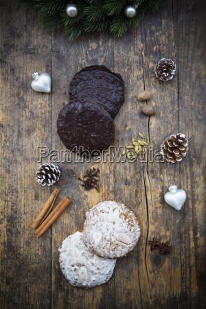 nuremberg gingerbread and ingredients