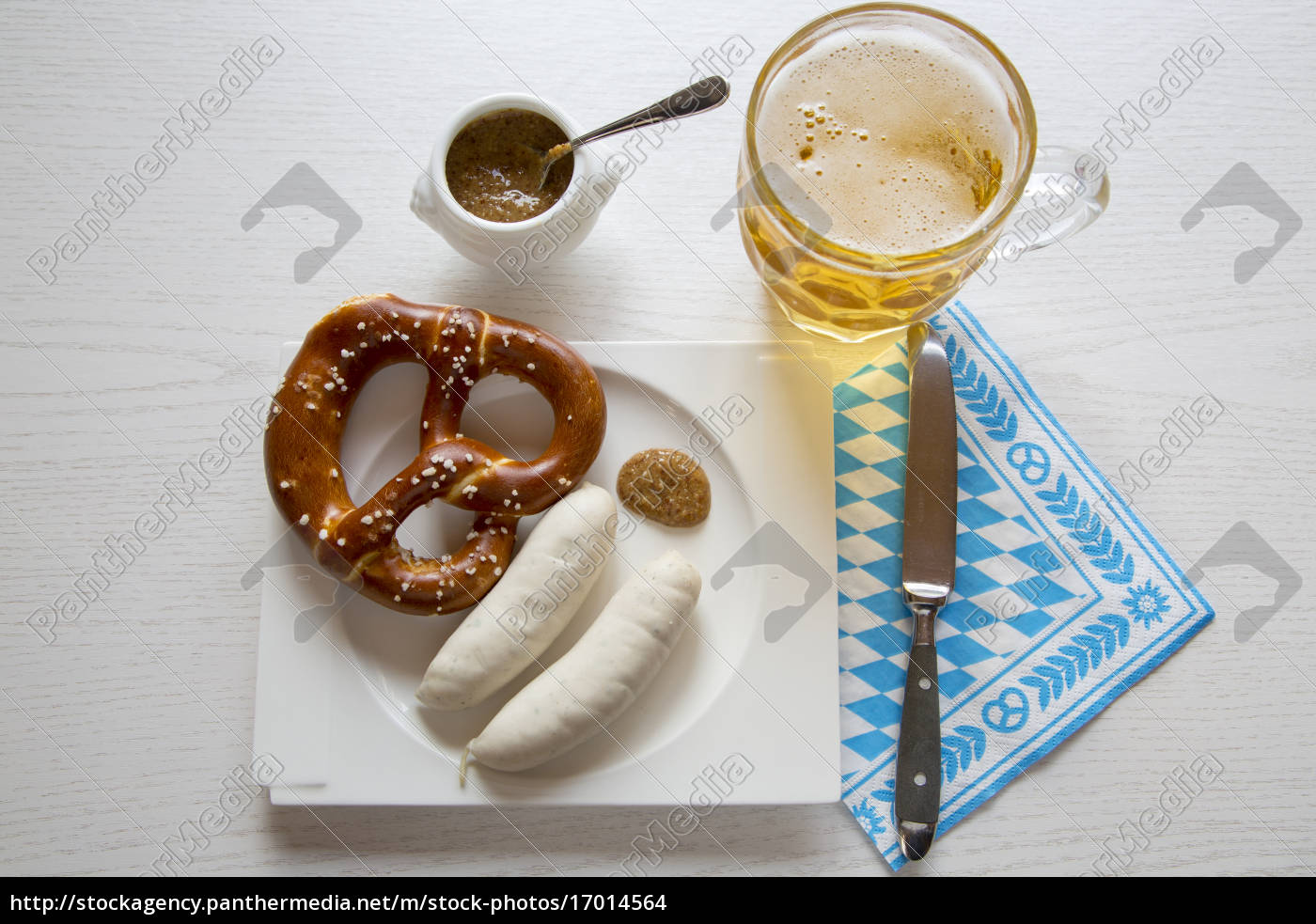 sausage, with, preztel, on, plate, and - 17014564