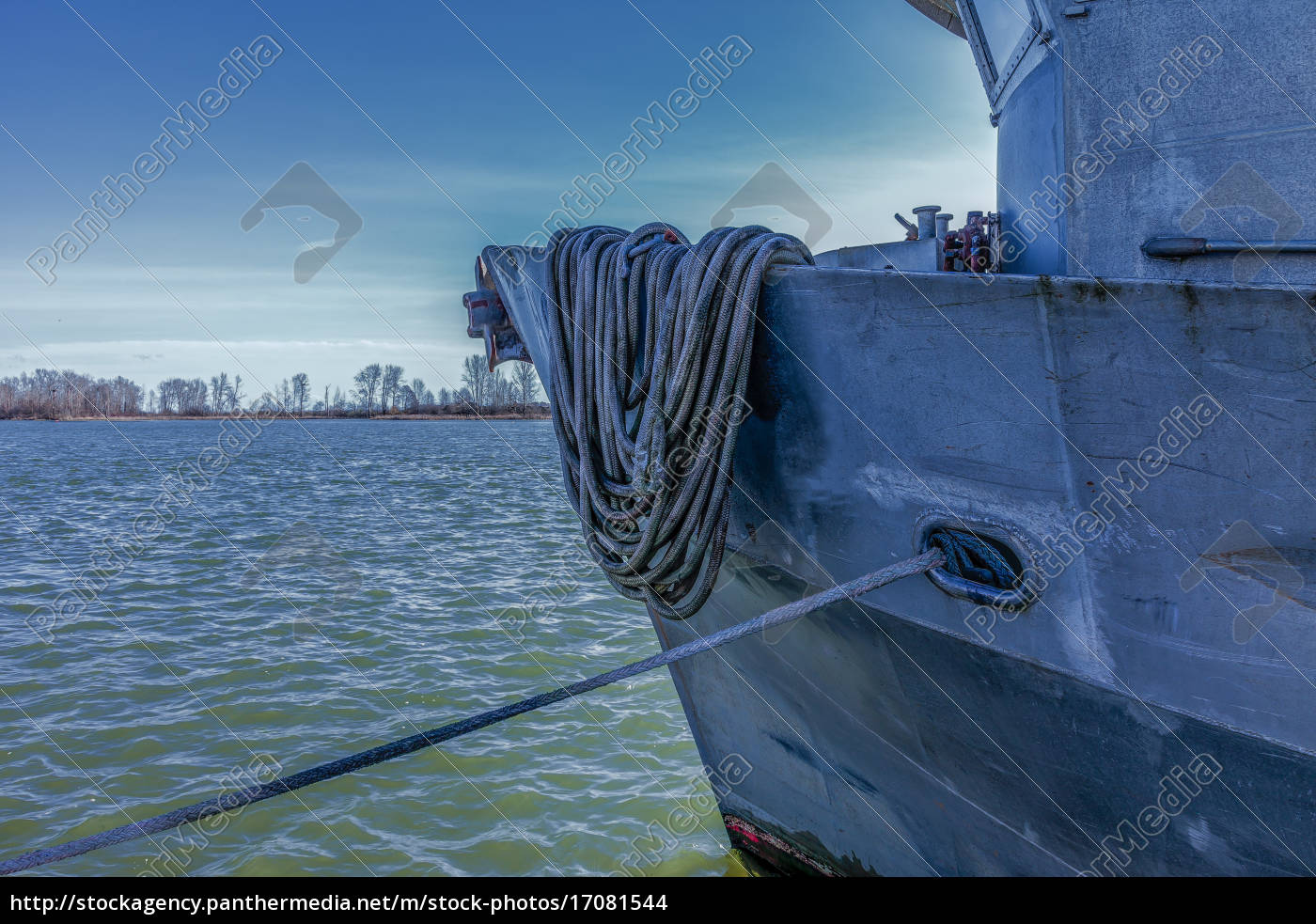 moored, vessel - 17081544