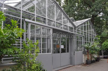 botanical garden in warsaw