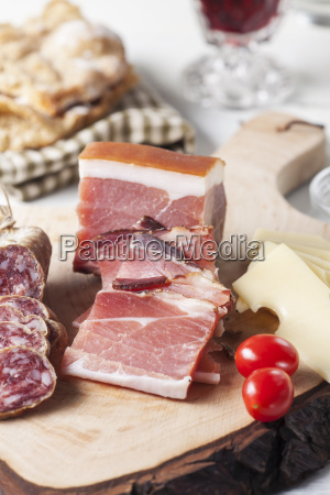 south tyrolean bacon on wood