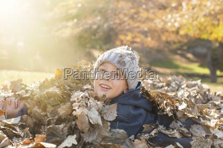 retrato sonriente de los ninyos cubiertos