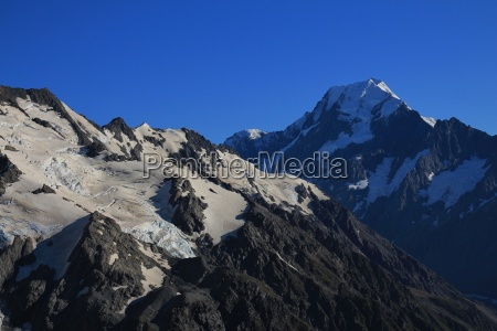 mount cook in the morning