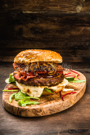 bbq burger with bacon and onions