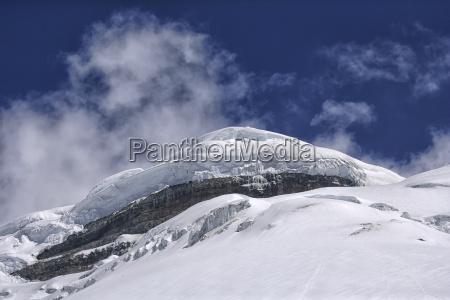ecuador cotopaxi volcano