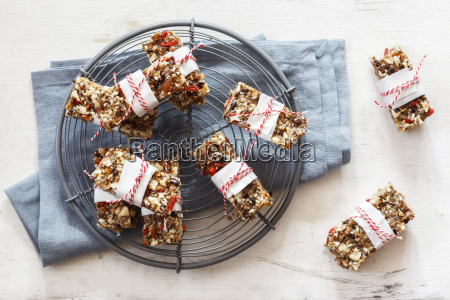homemade glutenfree vegan granola bars on