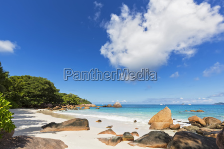 seychelles praslin anse lazio granite rocks