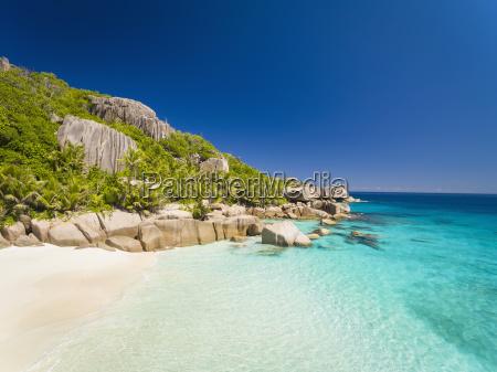 seychelles beach of grande soeur island