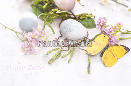 easter decoration with eggs and blossoms