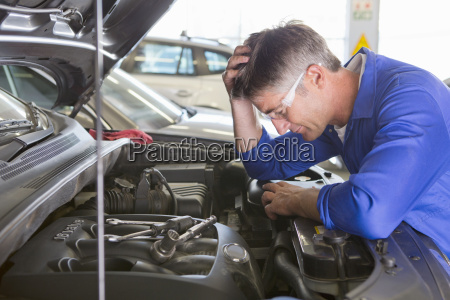 mechanic baffled by problem with car