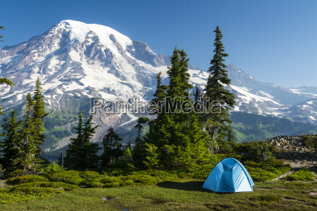 scenic campsite in the tatoosh range