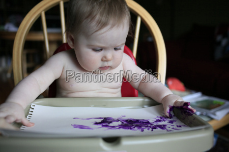 8 month old finger painting at