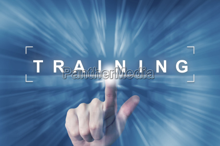 hand clicking on training button