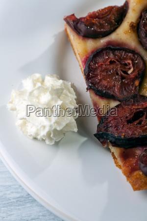 cream and plum cake