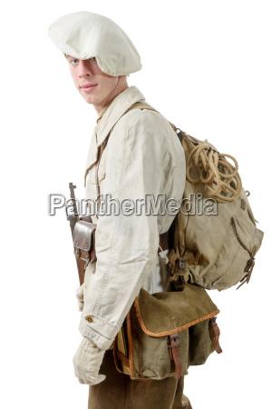 vinhost laeder krig soldat uniform forkolelse