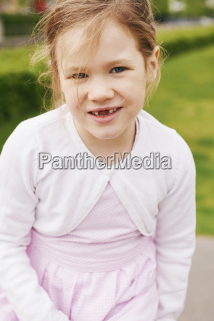 portrait of 5 year old girl
