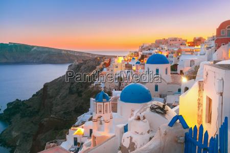 oia at sunset santorini greece