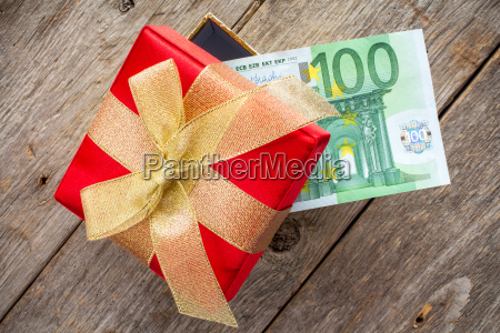 gift box with one hundred euro
