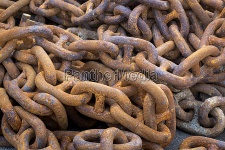 rusty iron chains in detail