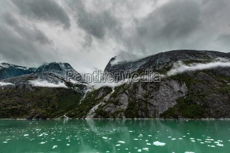 mountains along the endicott arm fjord
