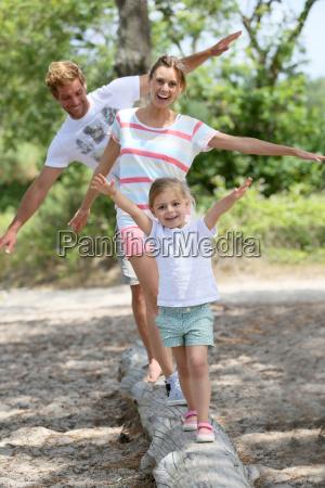 kobieta womane baba chodzenie zwiedzanie zabawa