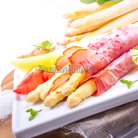 baked asparagus with ham