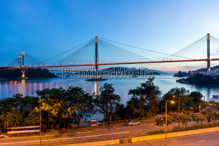 suspension bridge in hong kong at
