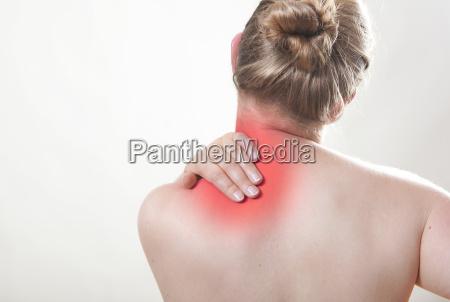 shoulder pain red