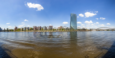 skyline with river main and new