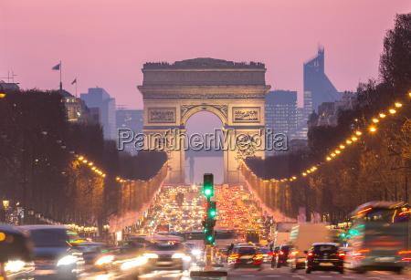 paris arc of triomphe