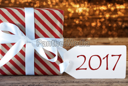 atmosferica regalo di natale con letichetta