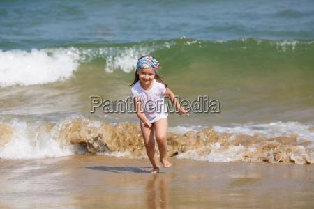 child and sea