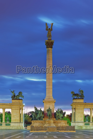 hungary budapest heroes square millennium monument